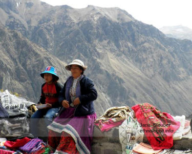 The Peruvian Saleswomen
