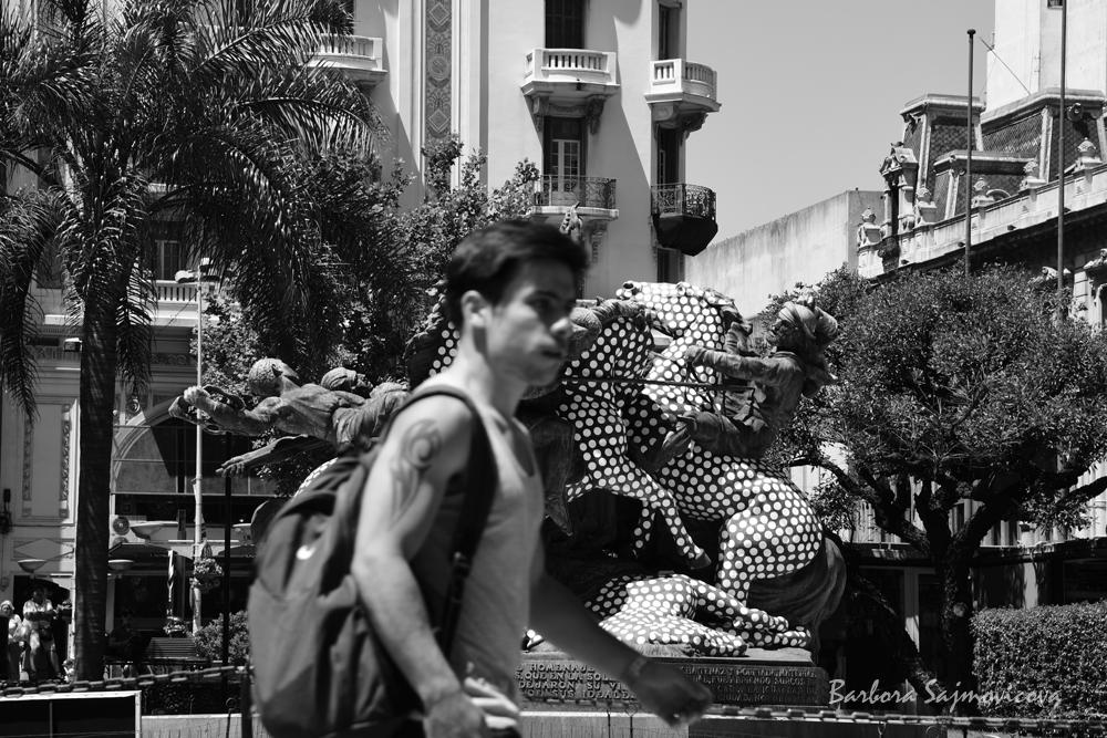 Pohled na Plaza del Entrevero. Photo: Barbora Šajmovičová, 2016, Montevideo.