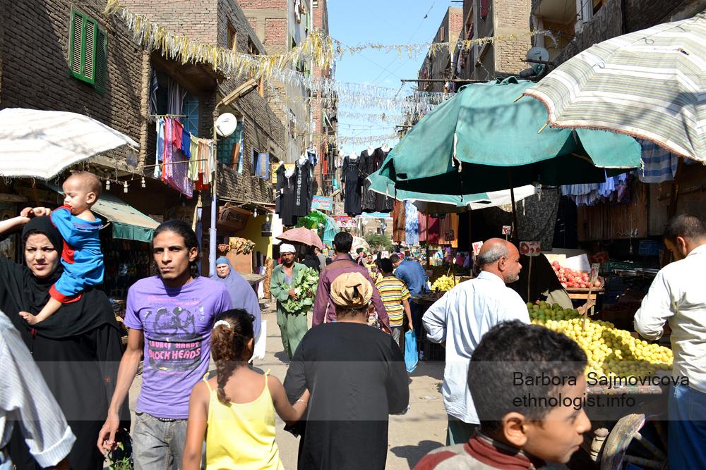 Obchody v Manšíjat Násir. Káhira, říjen 2011, foto: Barbora Šajmovičová.