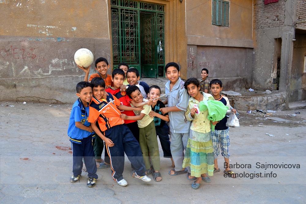 Dětské úsměvy v Manšíjat Násir. Káhira, říjen 2011, foto: Barbora Šajmovičová.