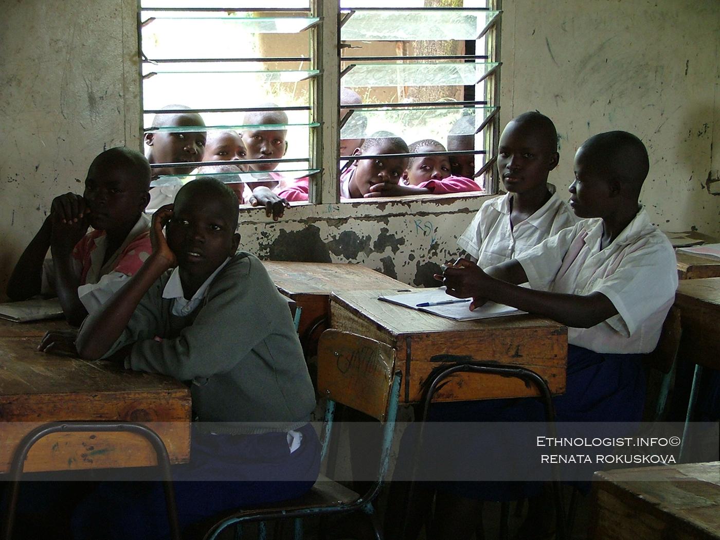 Nabídka programů v keňské škole. Foto: Renata Rokůsková