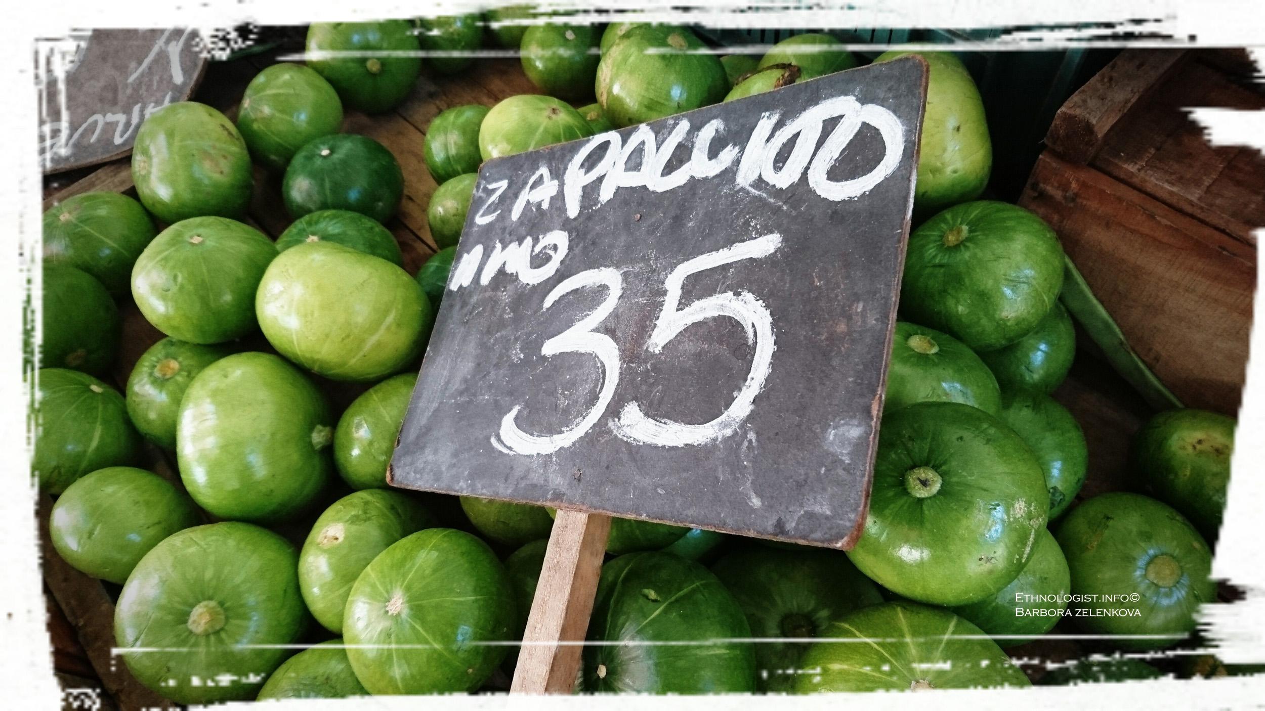 Zapallitos na trhu v Montevideu. Foto: Barbora Zelenková, Prosinec, 2016.