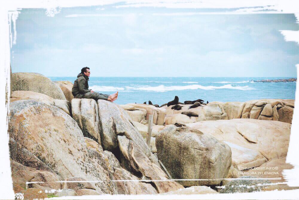 Větrné pobřeží Cabo Polonio a pohled na kolonii tuleňů. Foto: Barbora Zelenková, Prosinec, 2016.