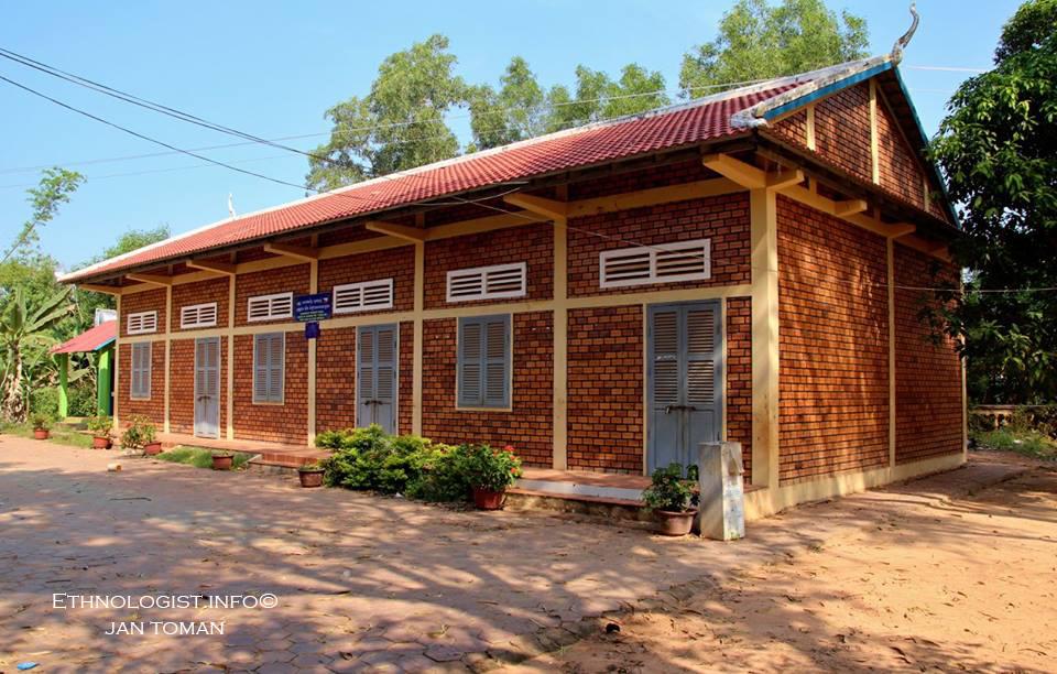Kambodžská škola ve vesnici Bantayrersey založená z iniciativy absolventky etnologie Veroniky Pospíšilové. Foto: Jan Toman, Kambodža, 2018.