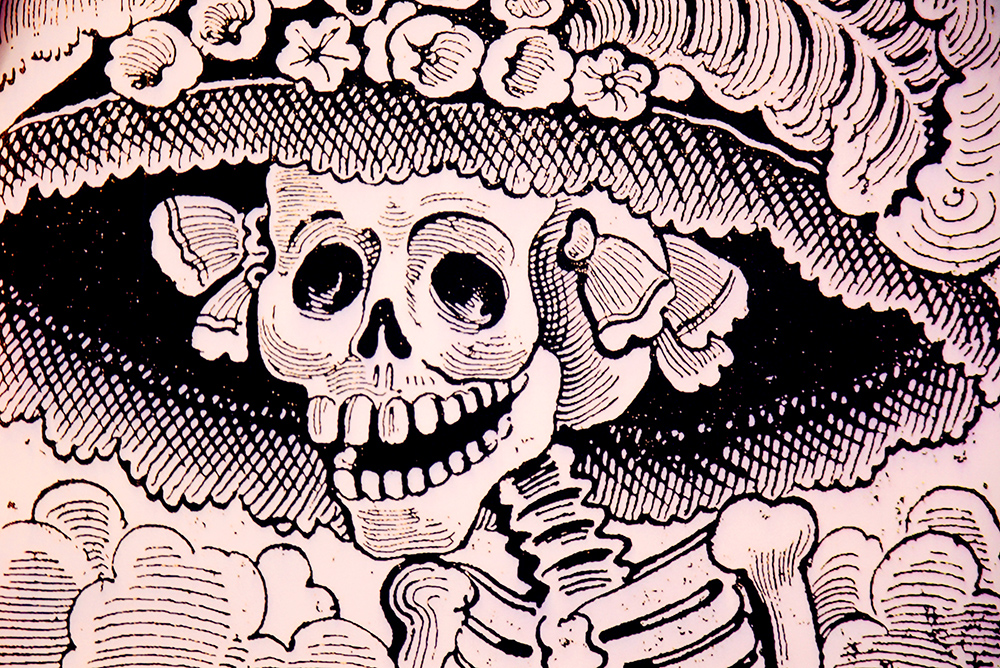 """Vyobrazení """"La Calavera Catrina"""" mexického kreslíře Josého Guadalupe Posady se stalo jednou z hlavních ikon mexického svátku mrtvých. Foto: Barbora Zelenková, Londýn, 2018, Nikon D500."""