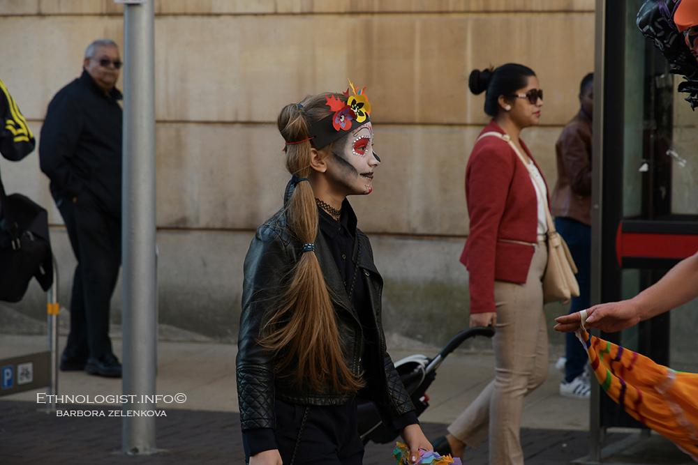 Popularita mexického svátku každoročně stoupá i v evropských metropolích. Foto: Barbora Zelenková, Londýn, 2018, Nikon D500.