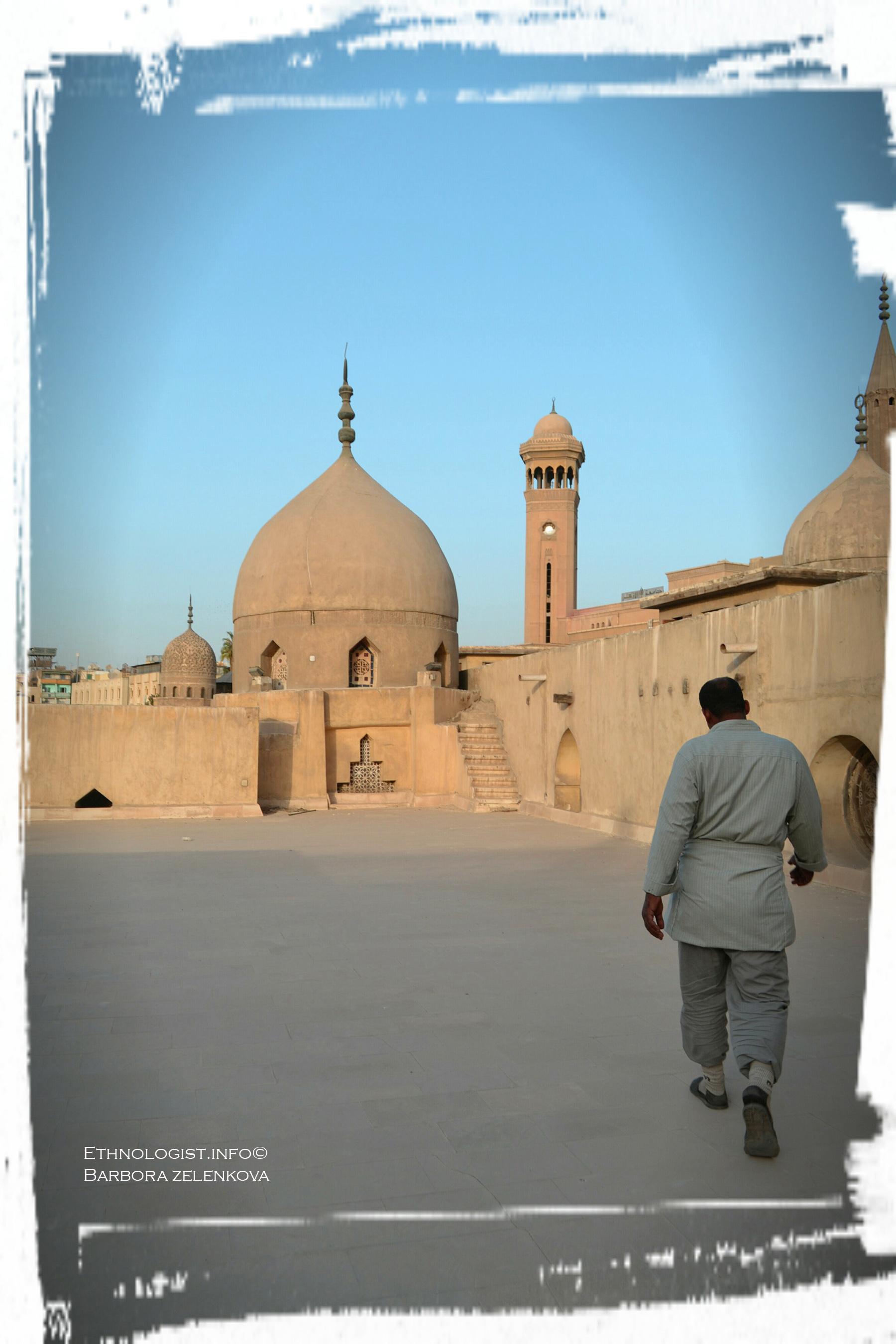 Na hradbách mešity al-Azhar. Foto: Barbora Zelenková, 2011.